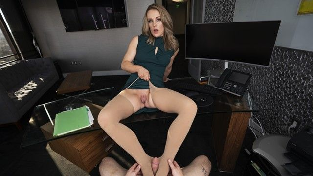 Vr 180 - intern kate kennedy shows her boss nathan how hard that babe can work