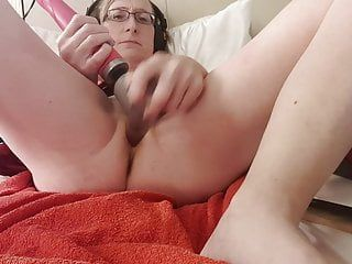 Solo angel female agonorgasmos with whore wand and pee squirting.