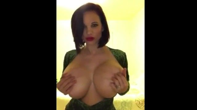 Megahot housewife wannabe twitter porn star with biggest milk shakes music movie scene