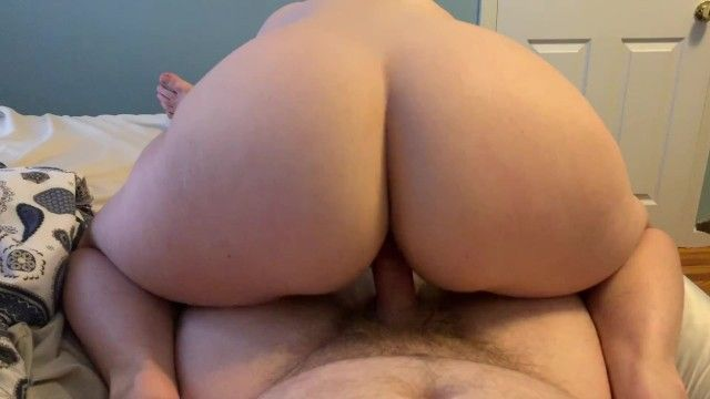Pawg copulates the cum out of little pecker