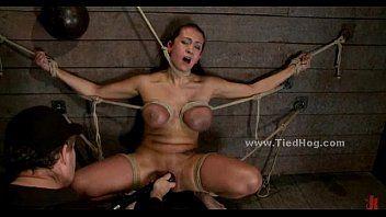 Servo del sesso allattato come schiavo del maiale