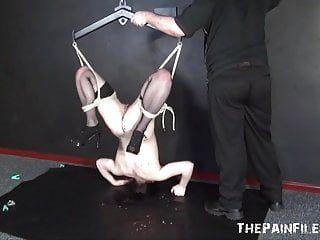 Dominazione del giocattolo del sesso e servitù della sospensione del feticcio vizioso