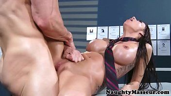 Breasty massage honey gia dimarco pussyfucked
