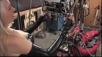 Mungitura e elettricità - XHamster Vids 2417451 Caramba Tube