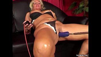 Granny having anal sex with pumping machine
