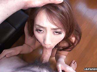Cheating Wife Akari Ottenere la sua fendine oscurata umida in assegno