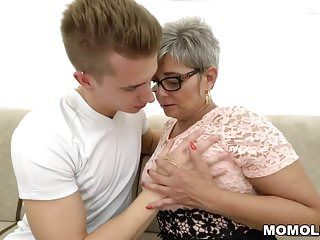 Grandma deepthroats a juvenile large dong in advance of riding on it