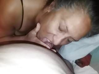 Latin wife libby receives stuffed after getting her toes sucked