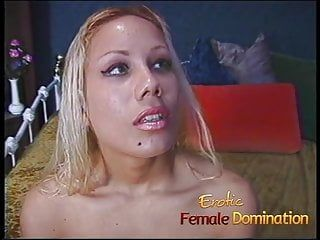 Hot bondman cleans all the sex toys with her moist face hole