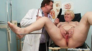 Corpulent blonde mommy bushy cunt doctor exam