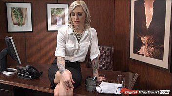 Breasty doctor kleio nailed in the arse