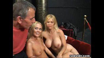 Perv old hunk bangs 2 hawt blond gals