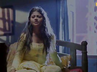 Langelo sexy indiano appena sposato è obbligato a scopare il coniuge