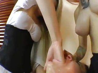 Sweet throatfucking by 2 lesbian babes