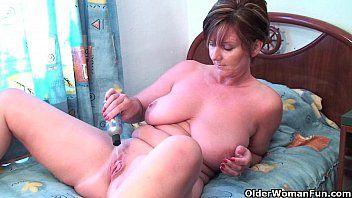 Granny fun bonks her fur pie and dark hole with dildos