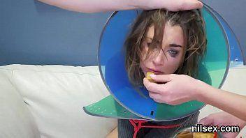 La pazza dolcezza è stata portata in un manicomio di Gazoo Gap per una dura terapia